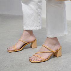 Low Heel Sandals, Low Heels, Women's Shoes Sandals, Women Sandals, Flats, Aesthetic Shoes, Leather Slippers, Pretty Shoes, Kitten Heels