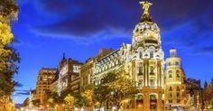 Sin duda alguna, una de las calles más castizas de la capital de España es la calle Alcalá, que incluso forma parte de las canciones más conocidas sobre Madrid. Una calle con mucha historia (comen