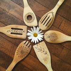 Are you looking for a unique gift for an occasion? Bridal showers, weddings, housewarmings, or even an anniversary? These floral-themed kitchen utensils are a one of a kind gift that is both beautiful and functional! FEATURES ✺ Set of 6 utensils ✺ Made from quality bamboo wood ✺ Utensils measure 12 inches long ✺ Adorned with floral designs ✺ Sealed with food grade mineral oil (safe to use!)