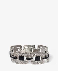 Forever 21 is the authority on fashion & the go-to retailer for the latest trends, styles & the hottest deals. Plus Size Winter, Forever21, Link Bracelets, Geo, Diamond Earrings, Women Jewelry, Wedding Rings, Engagement Rings, Clothes