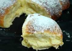 pan brioche soffice senza burro al limone (can also do orange) Köstliche Desserts, Delicious Desserts, Dessert Recipes, I Love Food, Good Food, Yummy Food, Bakery Recipes, Cooking Recipes, Sweet And Salty