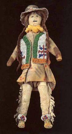 Кукла, Сиу. Период 1900-1925. Коллекция Fenn. 12 дюймов. Splendid Heritage.