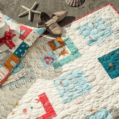 Free Sewing Patterns and Tutorials for Quilting & Crafts Quilting Tutorials, Sewing Tutorials, Sewing Projects, Quilt Patterns Free, Free Pattern, Dress Patterns, List Of Fabrics, Snowman Quilt, Fabric Boxes
