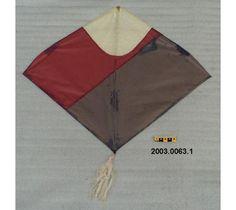 Cerf-volant de l'inde, fait de bambou et de papier. #DeLaCollection du @MuseeAvEspace
