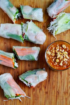 Fresh Spring Rolls with Thai Peanut Sauce