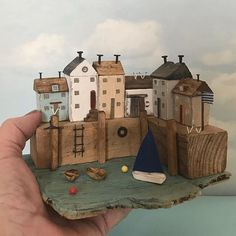 Harbour view, made from memories of Polperro. Beach Themed Crafts, Beach Crafts, Home Crafts, Rustic Frames, Rustic Art, Small Wooden House, Wooden Houses, Reclaimed Wood Art, Driftwood Crafts