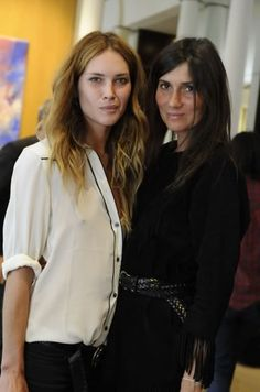 With fellow Style Icon Emmanuelle Alt Emmanuelle Alt Style, Barbara Martelo, Coco Fashion, Paris Chic, Nouveau Look, Erin Wasson, Model Street Style, French Chic, Models Off Duty
