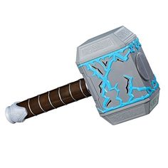 When kids wield the Marvel Thor: Ragnarok Thor Rumble Strike Hammer by Hasbro, they can strike a surface to hear rumbling sound effects and imagine summoning the strength of Thor's hammer. Superhero Cookies, Thor Superhero, Marvel Avengers, Spiderman, Superhero First Birthday, 8th Birthday, Thor 3 Ragnarok, Ri Happy, Popular Toys