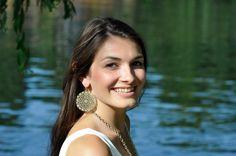 Glänzendes Material und filigranes Muster - mit den Steckerohrringen Francesca fällst du garantiert auf!  #schmuck #ohrringe #accessoires