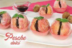 Pesche dolci al cioccolato, ricetta facile per questi pasticcini tradizionali. Sono dolci raffinati ed eleganti da servire e da portare in dono agli amici