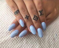 58 Small Finger Tattoos for Women Tiny finger tattoos for girls; small tattoos for women; finger tattoos with meaning; Girl Finger Tattoos, Finger Tattoo For Women, Small Finger Tattoos, Tiny Tattoos For Girls, Finger Tattoo Designs, Best Tattoos For Women, Tattoo Designs For Women, Trendy Tattoos, New Tattoos