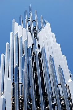 From there, go on to Garden Grove to take in the massive Crystal Cathedral. | The Great Middle California Design Road Trip