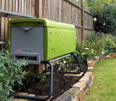 All abuzz about modern bee-keeping. Some great new urban inventions even for apartment dwellers :)