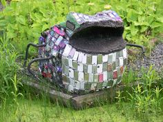 Most Amazing and Creative Recycled Art Displays - mostly cel phones