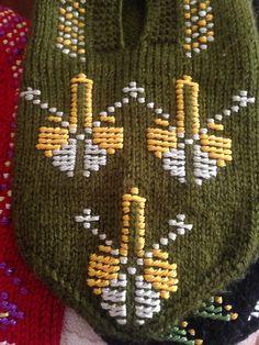 Crochet Slippers, Baby Knitting Patterns, Gingerbread, Diy And Crafts, Handmade, Amigurumi, Manualidades, Hand Made, Ginger Beard