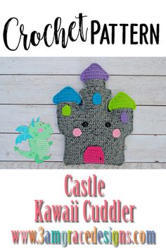 Castle Kawaii Cuddler Our Castle crochet pattern & tutorial makes an adorable pillow for you or your favorite princess. Kawaii Crochet, Cute Crochet, Crochet For Kids, Crochet Yarn, Crochet Food, Tapestry Crochet, Crochet Dolls, Crochet Craft Fair, Crochet Crafts