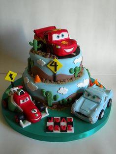 Torta Cars 2 by Pastelera Bakery Shop, via Flickr