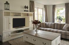 Kast Met Manden : Hoge tv kast eenvoudig landelijk tv meubel met ombouw incl manden
