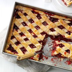 Apple Cranberry Slab Pie Recipe - with apples, raspberries and cranberries. Slab Pie, Thanksgiving Pies, Crust Recipe, Recipe Recipe, Apple Recipes, Dessert Recipes, Dessert Food, Sweet Tooth, Sweet Treats