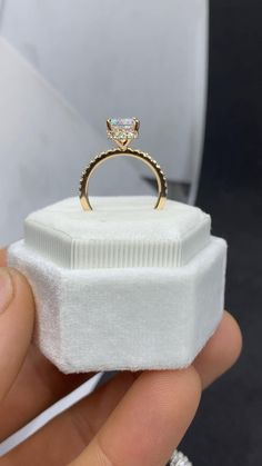 Gold Band Engagement Rings, Radiant Cut Engagement Rings, Cushion Cut Engagement Ring, Princess Cut Engagement Rings, Gold Wedding Rings, Moissanite Engagement Rings, Tiffany Wedding Rings, Most Beautiful Engagement Rings, Beautiful Wedding Rings