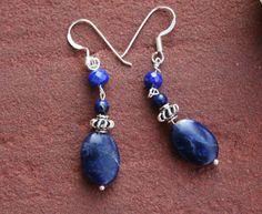 Een persoonlijke favoriet uit mijn Etsy shop https://www.etsy.com/nl/listing/477445310/sodalite-with-lapis-earrings-sterling