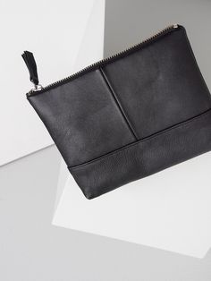Medium pouch by Jenna Laine Collection. Available at www.uumarket.fi - UU Market: Home of New Finnish Design.