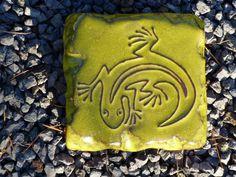 Motiv Pflasterstein Eidechse in grüngelb - Gärten für Auge & Seele