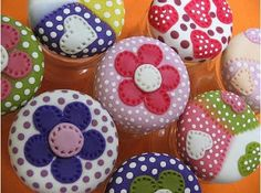 Diy Clay, Clay Crafts, Arts And Crafts, Clay Jar, Decoupage Art, Pasta Flexible, Jar Lids, Dot Painting, Cold Porcelain