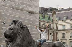 Taming the lion at Trafalgar Square, London