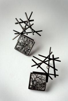 Design earrings with tourmaline quartz