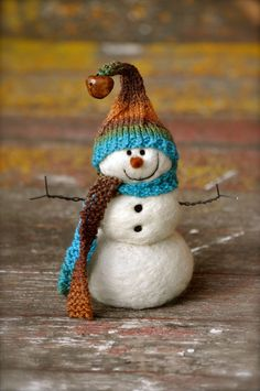 Needle Felted Snowman by fiber artist and needle felting instructor Teresa Perleberg of Bear Creek felting. Learn how to make a #snowman just like this in a super easy needle felting kit designed by Teresa.