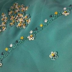 This Pin was discovered by Süe Bobbin Lace, Tatting, Diy And Crafts, Google, Lace, Ornaments, Flowers, Needle Tatting