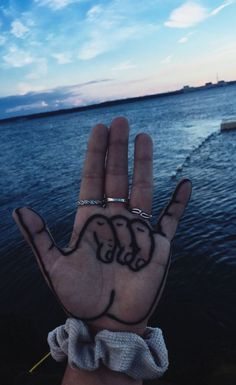 ) vibes in 2019 artsy photos, aesthetic pictures, summ Photos Bff, Artsy Photos, Cute Photos, Cute Pictures, Artsy Picture, Beautiful Pictures, Artsy Bilder, Winter Poster, Neck Tatto