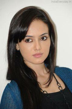 Sana Khan/