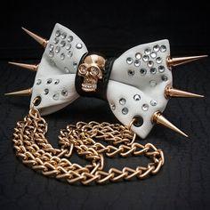 Gold Skull & Rhinestone Bow Tie por JakeSimp en Etsy