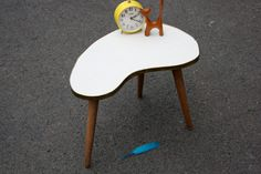 Small coffee table kidney shaped / plant stand / by wohnraumformer