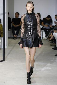 La parfaite petite robe noire de Olivier Theyskens