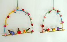 Spring theme crafts for babies toddlers preschoolers flowers birds butterflies and animals Mamal Thema lente knutselen voor babys peuters kleuters bloemen vogels vlinde. Bird Crafts, Diy And Crafts, Arts And Crafts, Diy Bird Cage, Diy For Kids, Crafts For Kids, Spring Theme, Little Birds, Wire Art