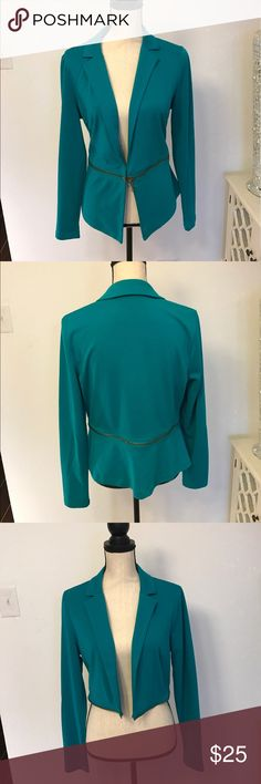 Blue Zip blazer Turquoise blazer that can be worn as a cropped blazer also when you unzip the bottom piece Jackets & Coats Blazers