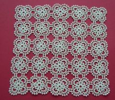 When worked on larger needles, brioche stitch variations yield an open, airy fab. Crochet Wool, Crochet Motif, Crochet Doilies, Crochet Flower Patterns, Crochet Flowers, Diy Crochet Tablecloth, Sheep Tattoo, Diy Crafts Crochet, Crochet Magazine