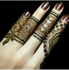 Explore latest Mehndi Designs images in 2019 on Happy Shappy. Mehendi design is also known as the heena design or henna patterns worldwide. We are here with the best mehndi designs images from worldwide. Eid Mehndi Designs, Mehndi Designs Finger, Mehndi Designs For Girls, Stylish Mehndi Designs, Mehndi Designs For Fingers, Mehndi Patterns, Mehndi Design Pictures, Beautiful Mehndi Design, Latest Mehndi Designs