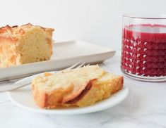 Quatre-Quarts moelleux aux pommes | MARIE GOURMANDISE Cornbread, French Toast, Pudding, Meals, Marie, Breakfast, Simple, Ethnic Recipes, Food