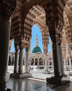 Barcelona Cathedral, Notre Dame, Taj Mahal, Building, Travel, Viajes, Buildings, Destinations, Traveling