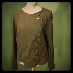 Linen jacket with zipper Green linen blend jacket with asymmetric zipper, pocket zippers. Banana Republic Jackets & Coats