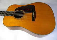 1943 Martin D-18 in a no reserve auction. Seller says it needs a neck reset. Seller also says that at some point it got some new inlays. The pickguard is obviously not original...