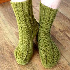 Ravelry: October socks pattern by Niina Laitinen In German & Finnish Crochet Socks, Knitting Socks, Crochet Yarn, Knit Socks, Knitting Patterns Free, Crochet Patterns, Knitting Ideas, Crochet Ideas, Bed Socks