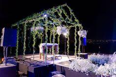 O altar dos sonhos! Perfeito! Tinha que se @romeromacieldecoracoes! 🌸 Eu amei, e vocês?  #vivavoucasar #casamento #weddinginspiration #wedding #casar #bride #bridal #ido #weedibglovers #inspiration #noiva #noivas #noiva2016 #noiva2017 #noivo #ideiasparacasamento #inspiracaocasamento #vestidodenoiva #madrinhadecasamento #brides #weddingdress #savethedate #romeromaciel #decor #altar
