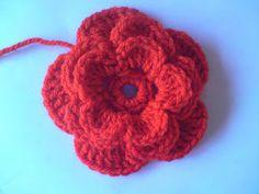 Jag har skrivit innan att jag var lite besatt av att virka blommor.Om någon också vill virka en blomma så har jag beskrivning här som jag ha... Stick O, Beautiful Crochet, Crotchet, Crochet Flowers, Handicraft, Mittens, Crochet Earrings, Crochet Jewellery, Barbie