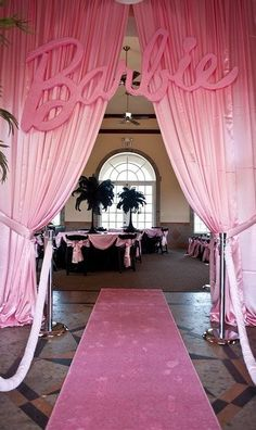 Barbie Party Decor so cute for a little girl!