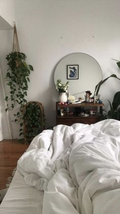 30 Amazing Plants Ideas In Bedroom Decor. Here are the Plants Ideas In Bedroom Decor. This article about Plants Ideas In Bedroom Decor was posted under the Bedroom category by our team at February 2019 at pm. Hope you enjoy it and don& forget to . Dream Bedroom, Home Bedroom, Master Bedrooms, Bedroom Apartment, Luxury Bedrooms, Dream Rooms, My New Room, My Room, Decor Room